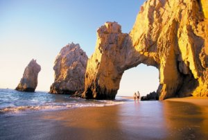 walk throug the Playa del Amor, in Los Cabos