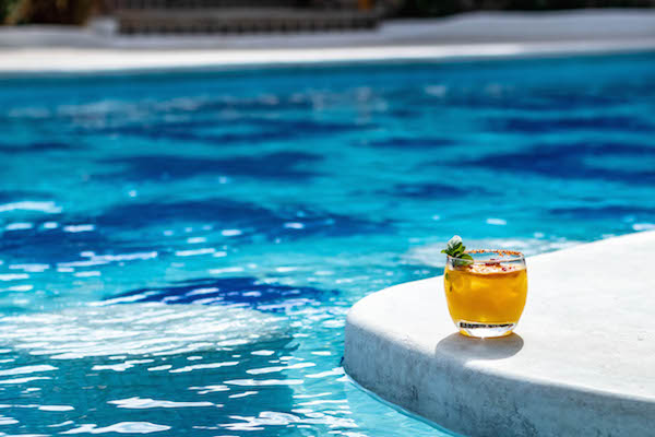 Cocktails by the pool in Los cabos